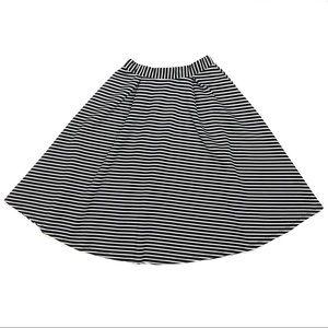 Forever 21 Black & White Stripe A-Line Twirl Skirt